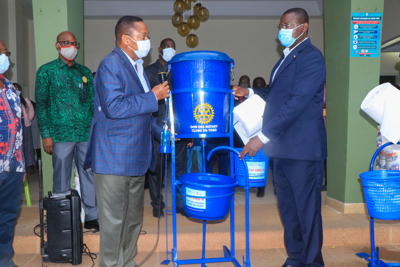 Rotary soutient les communes du grand Lomé