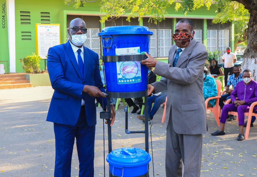 Cérémonie de remise de matériels contre la COVID-19 aux communes et préfectures du grand Lomé