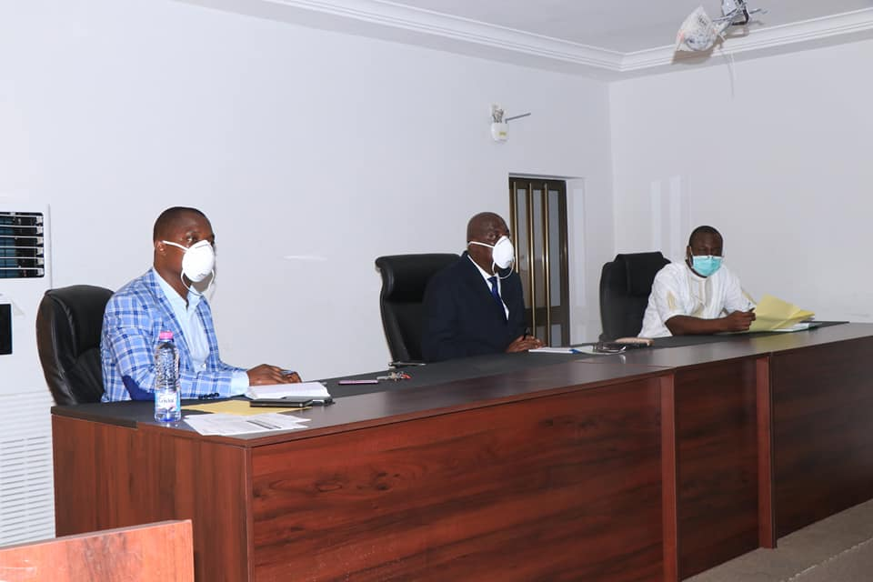 Opération de curage de caniveaux dans la ville de Lomé, le DAGL a échangé avec les responsables des entreprises
